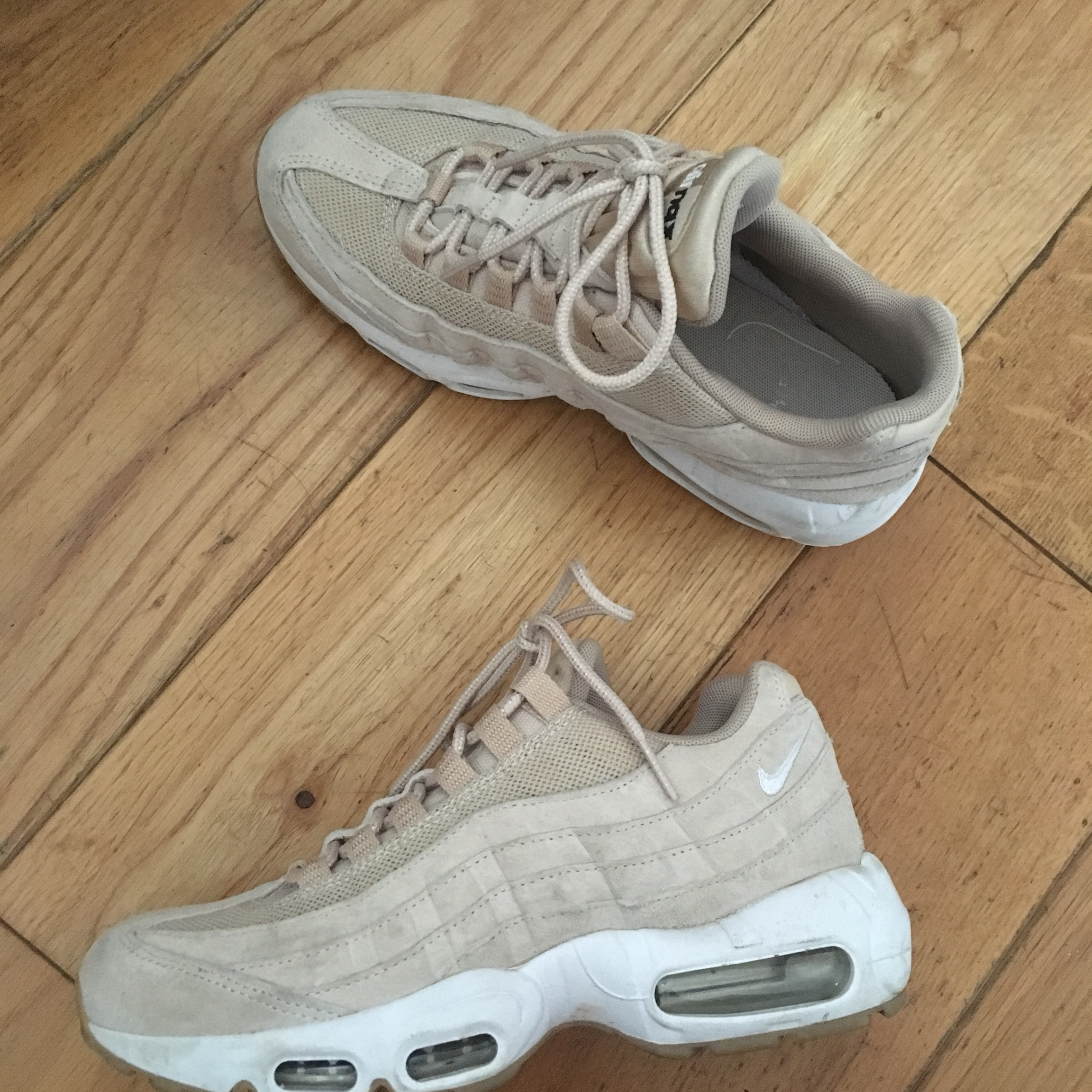 Nike, Air Max 95, Oatmeal White, New. Worn just couple...