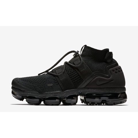 e44f739f6c4 UK 9 Nike Air VaporMax Flyknit Utility Triple Black BNIB in - Depop