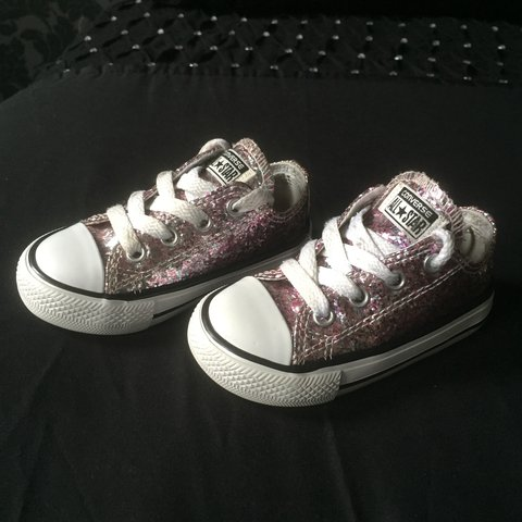 8ad6afab0bf9 @amandan1. 11 months ago. Glasgow, United Kingdom. Pink glitter converse  ✨✨✨ In excellent condition