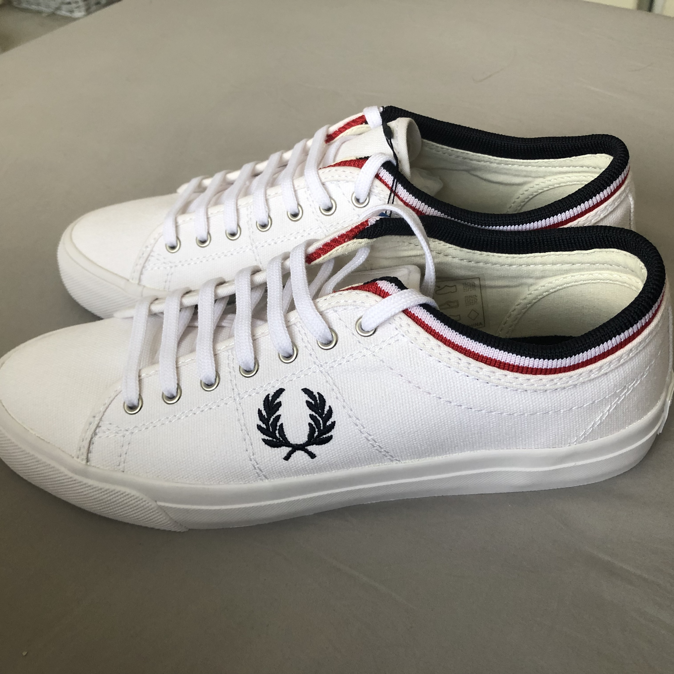 fred perry kendrick tipped cuff canvas