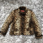 d40954fcbe8f Banana Republic leopard print coat. Suuuuper soft and warm!! - Depop