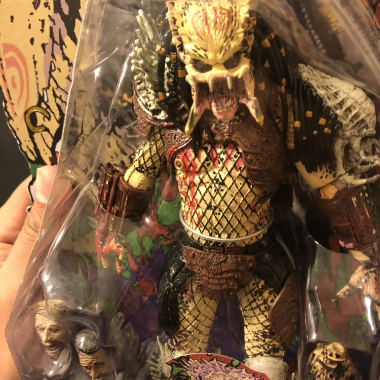 Bad Blood Predator figure in box never opened  Dm me    - Depop