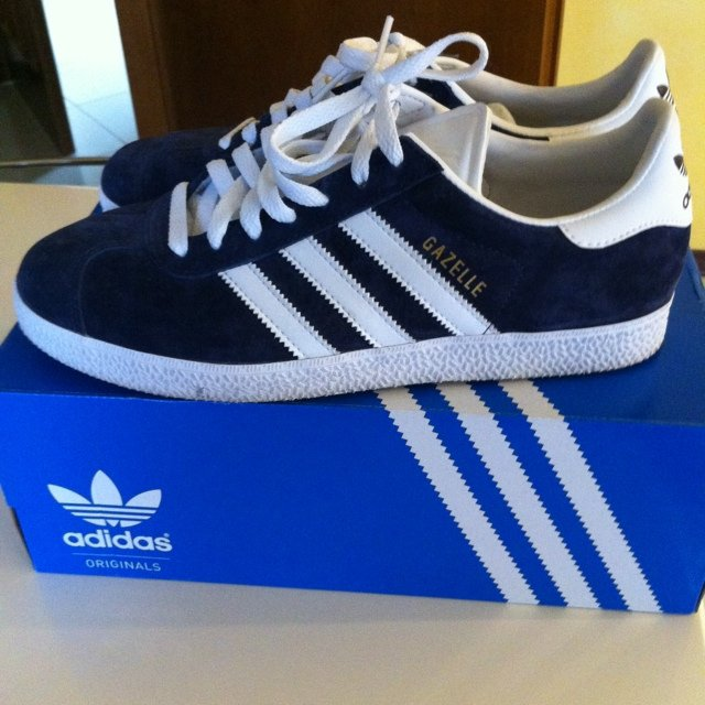 wholesale dealer cea7b 43032 adidas gazelle blu