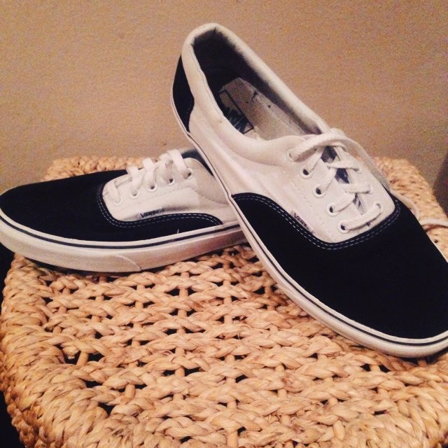 c5d9cdf7d0 Black and white vans