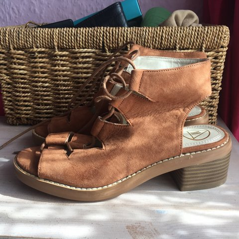 773fb264e31 Brand new missguided brown sandals with small heel. Never be - Depop