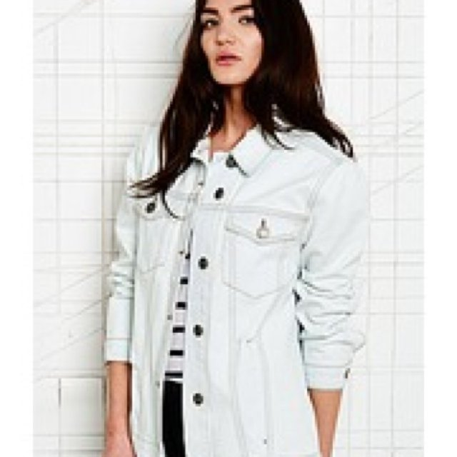 999e1796c1858 Urban outfitters. BDG white oversized denim jacket size xs. - Depop