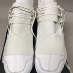 605247ea5 Y3 Qasa racer Triple white RARE UK8.5    worn by Kanye West - Depop