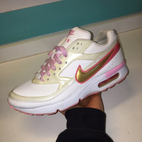 los angeles 37d56 06be9  charlierichards1. last year. Nottingham, United Kingdom. Pink and gold  Nike Air BW.