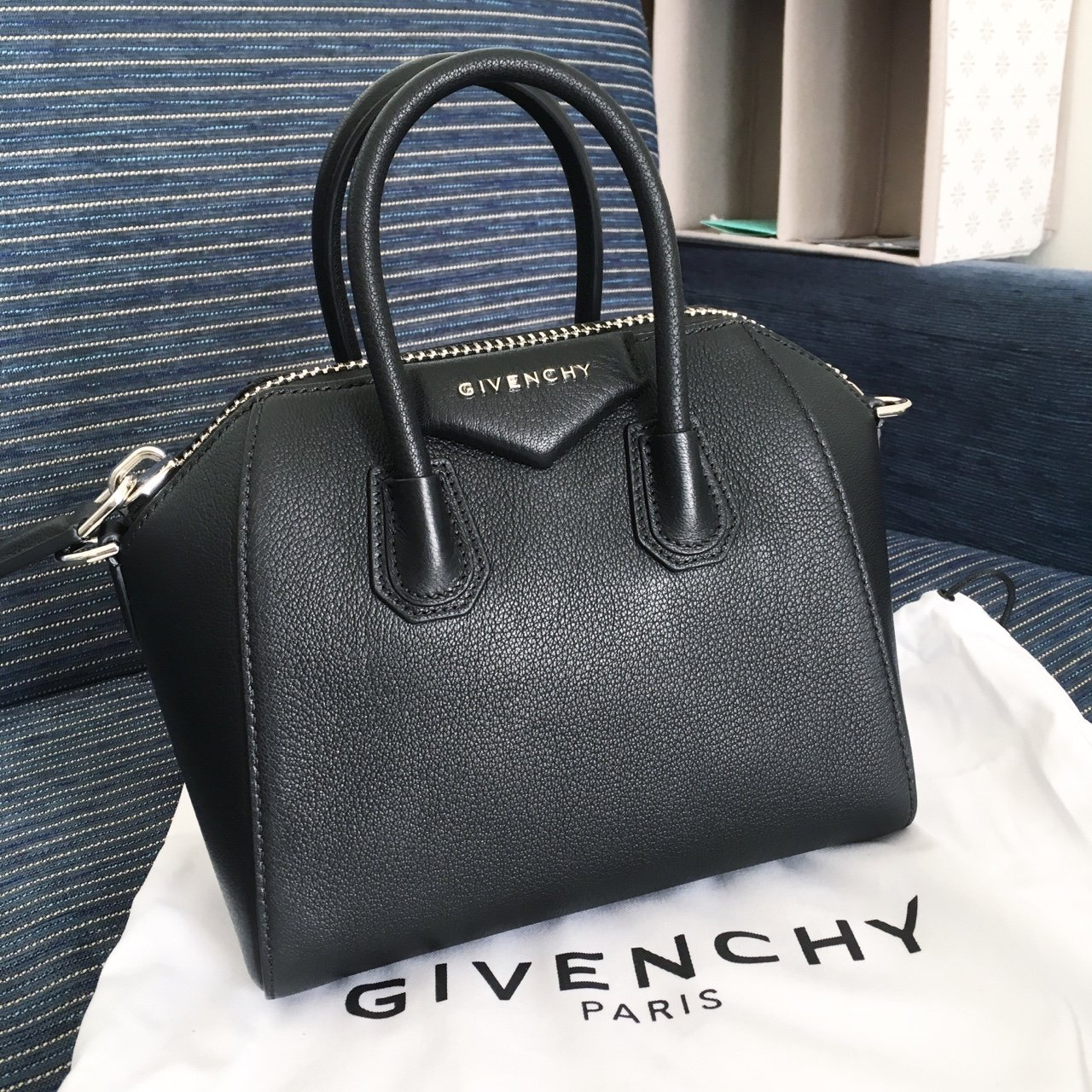 Givenchy mini antigona bag 🤘🏼 fbf8ac3777568