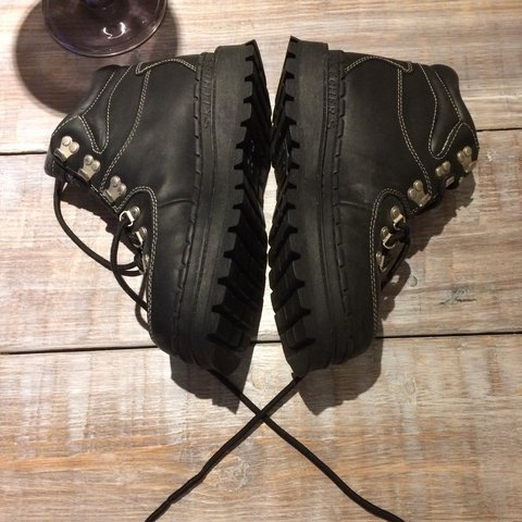 ca6f0767140 Chunky Skechers vintage leather boots Similar to Jammers 90s - Depop