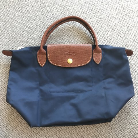 6da5629340c5 Longchamp Le Pliage - Top Handle in size small in good and - Depop