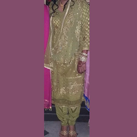 a7f09bb3bc Used salwar kameez in good condition Pearl and stone made a - Depop