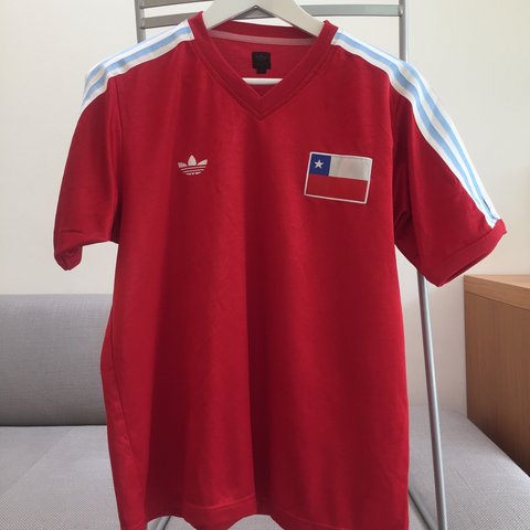 989de0b2d2ba Vintage Adidas Originals Chile football shirt in red Size M