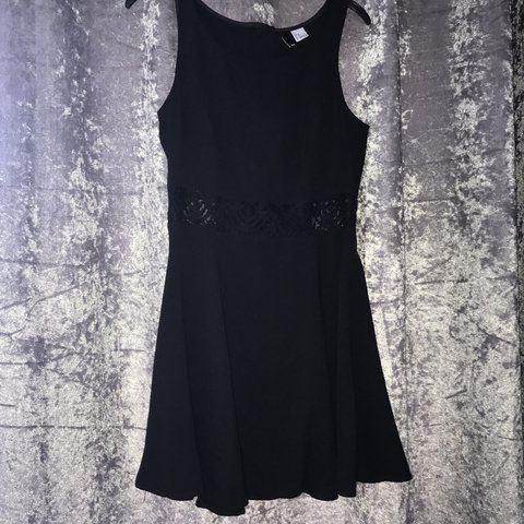 7a9c66f73c4a Black skater dress See through pattern in middle Size 14 a - Depop