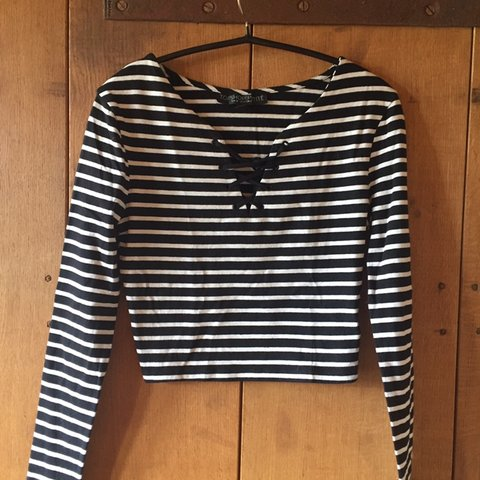 f9b7ab36 Super cute Topshop Petite black and white striped top with t - Depop