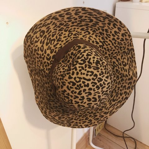 0265221afe7ea Leopard print wide-brimmed hat from warehouse. Perfect hat - Depop