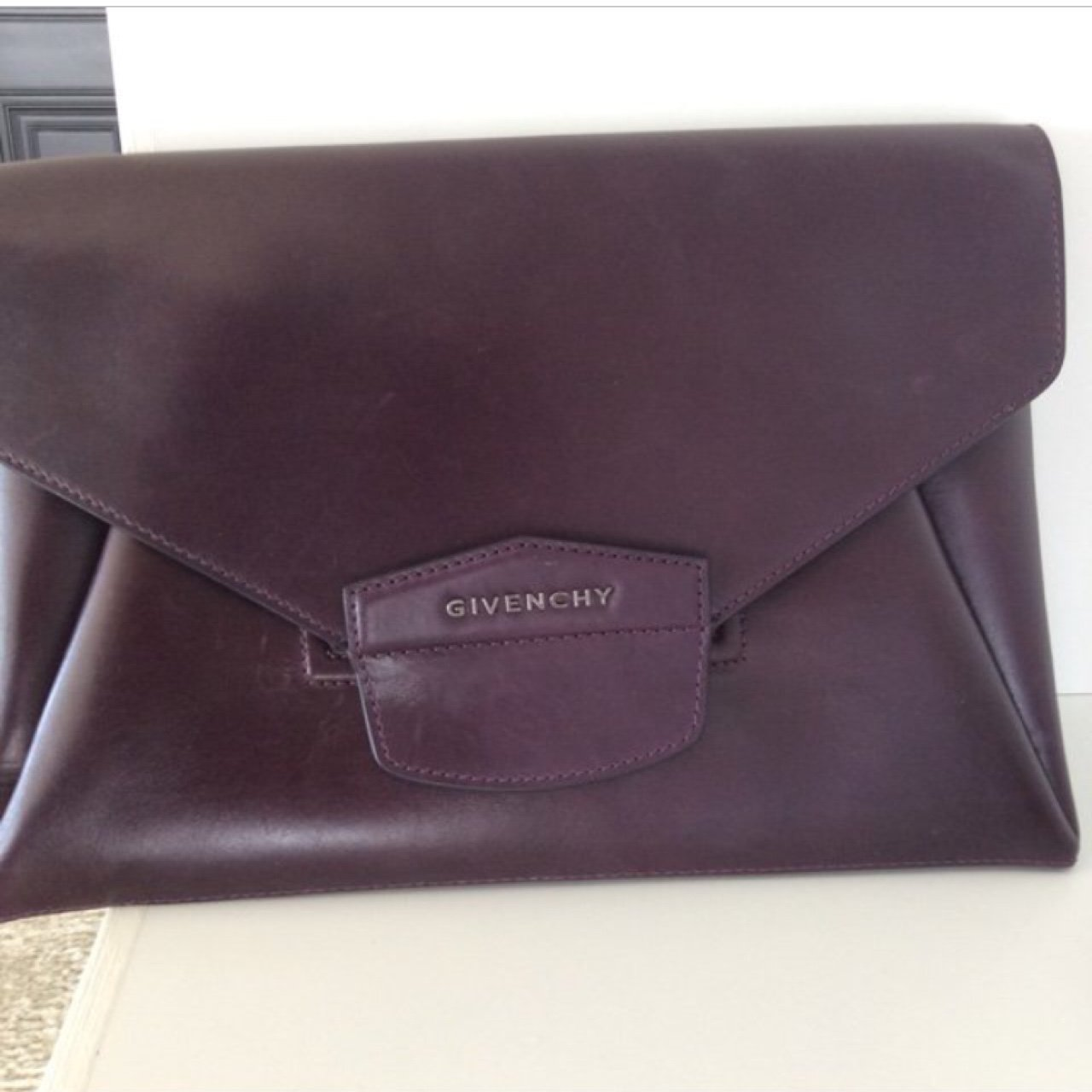 Repop givenchy clutch  bag  borsa antigona real genuine dark - Depop 1adfa93d33d26