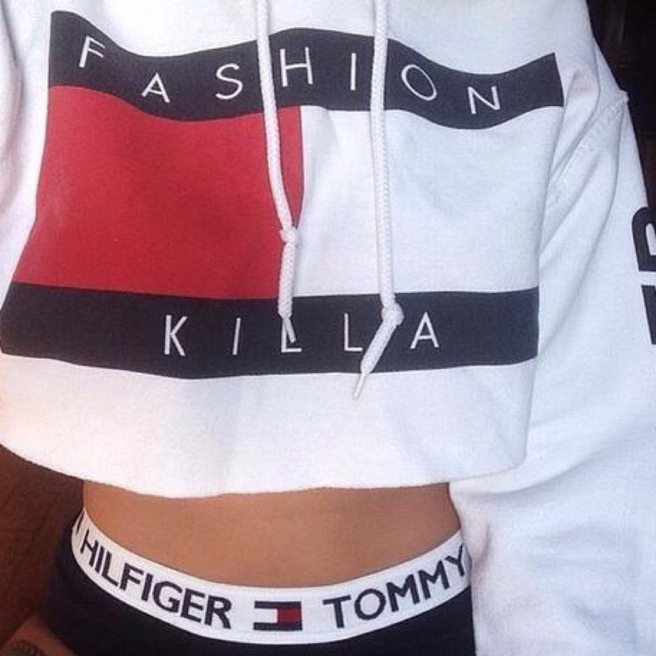 8643e87cf5e3f fashion killa crop sweater🌻 size  small but can possibly a - Depop