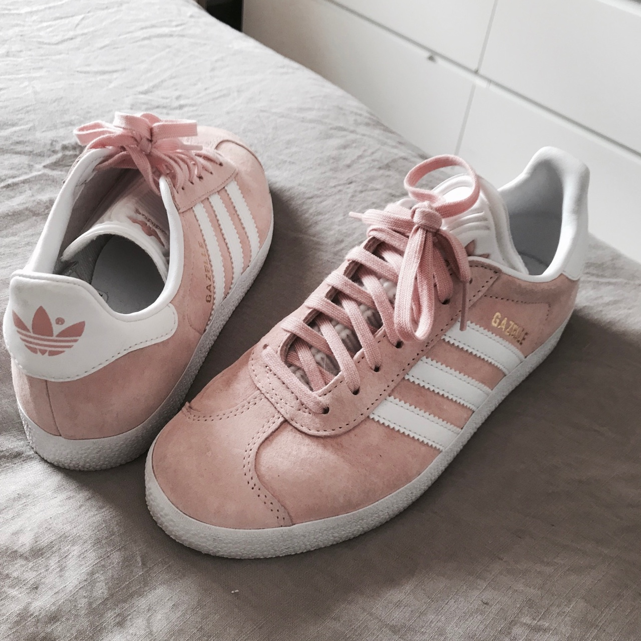 Baby Pink adidas gazelle shoes worn once size us 6