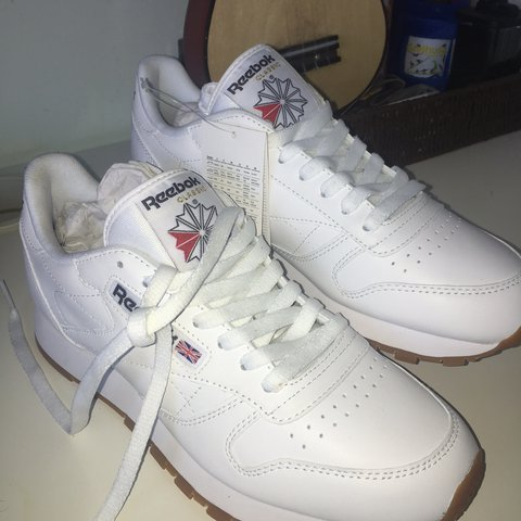 231ca1629a0e9 BRAND NEW Reebok Classics White Leather Trainers 🌞 They 6 - Depop