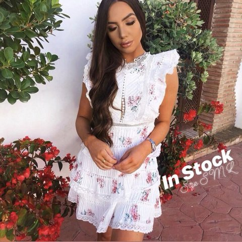 516efc41a07 Amazing summer dress. White flower lace tiered Boutique Only - Depop