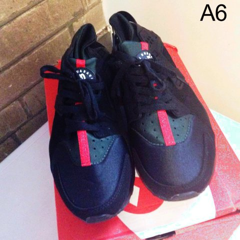 195b5de262d3 BRAND NEW NIKE AIR HUARACHES GUCCI INSPIRED WITH BOX AND - Depop