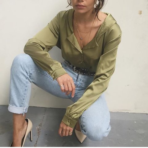 97894b0a834 Chester khaki. Stain in the front