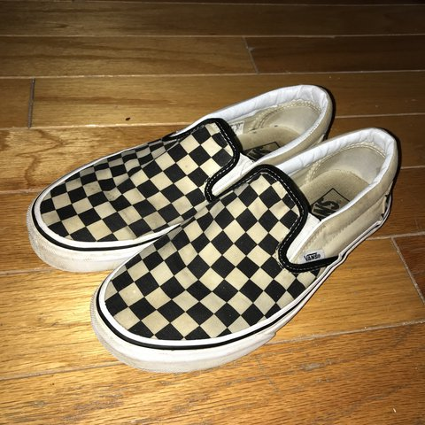 29b25bbb0e5d checkered slip on vans men 6.5-women 8. used condition but - Depop