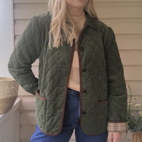 67f571e837675 Vintage quilted green coat with plaid lining Structured to - Depop