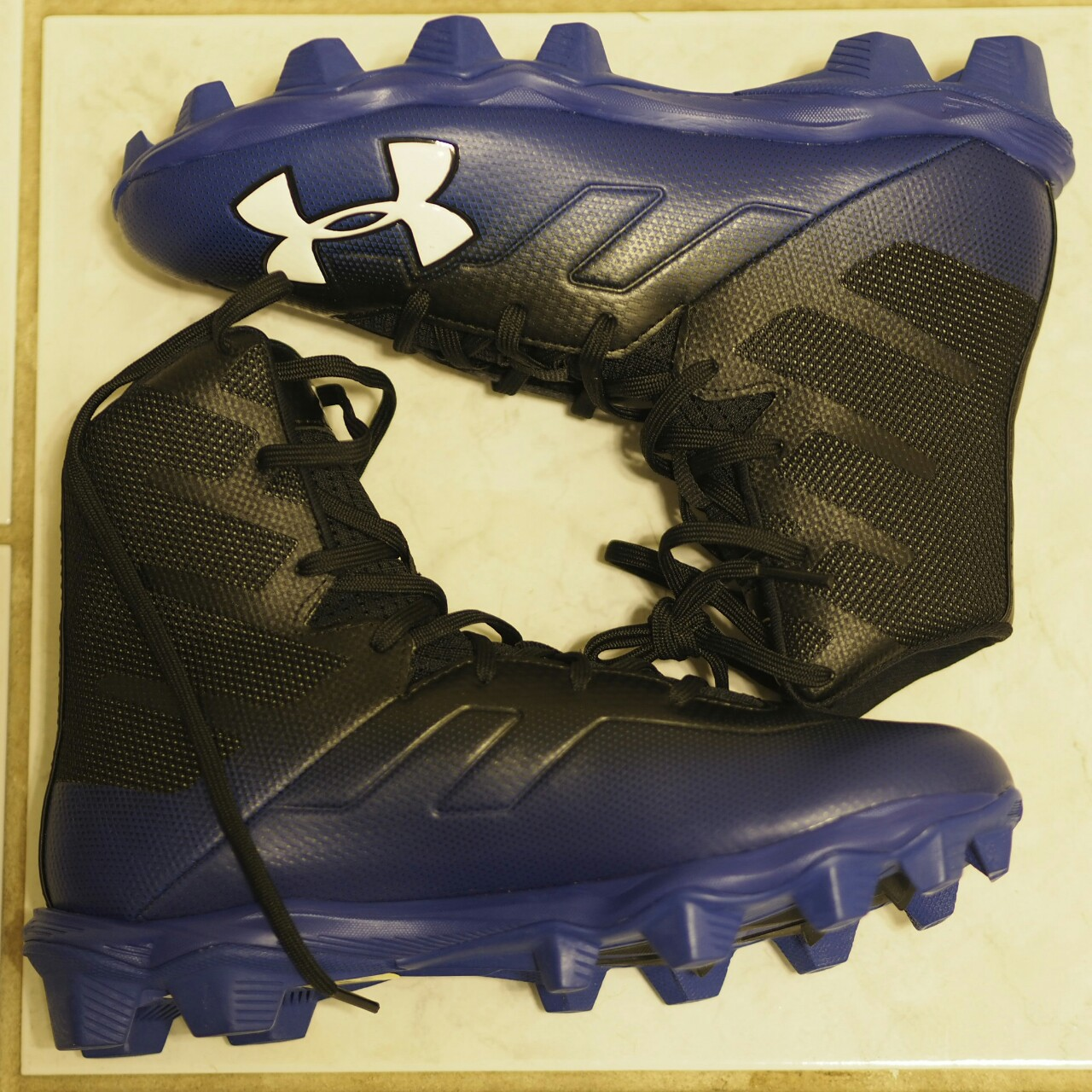 youth football cleats size 5.5