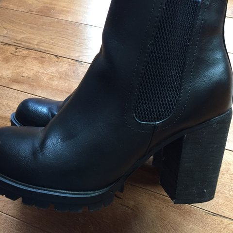 CUTE BLACK BOOTIES SIZE  WOMEN S 6 CONDITION  GOOD -there s - Depop 4072f3c1f9