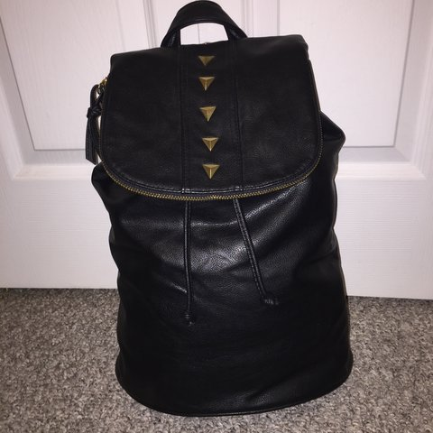 960d162b1 @xsnow. 7 months ago. United States. BUCKET BACKPACK FROM URBAN OUTFITTERS BLACK  FAUX LEATHER ...