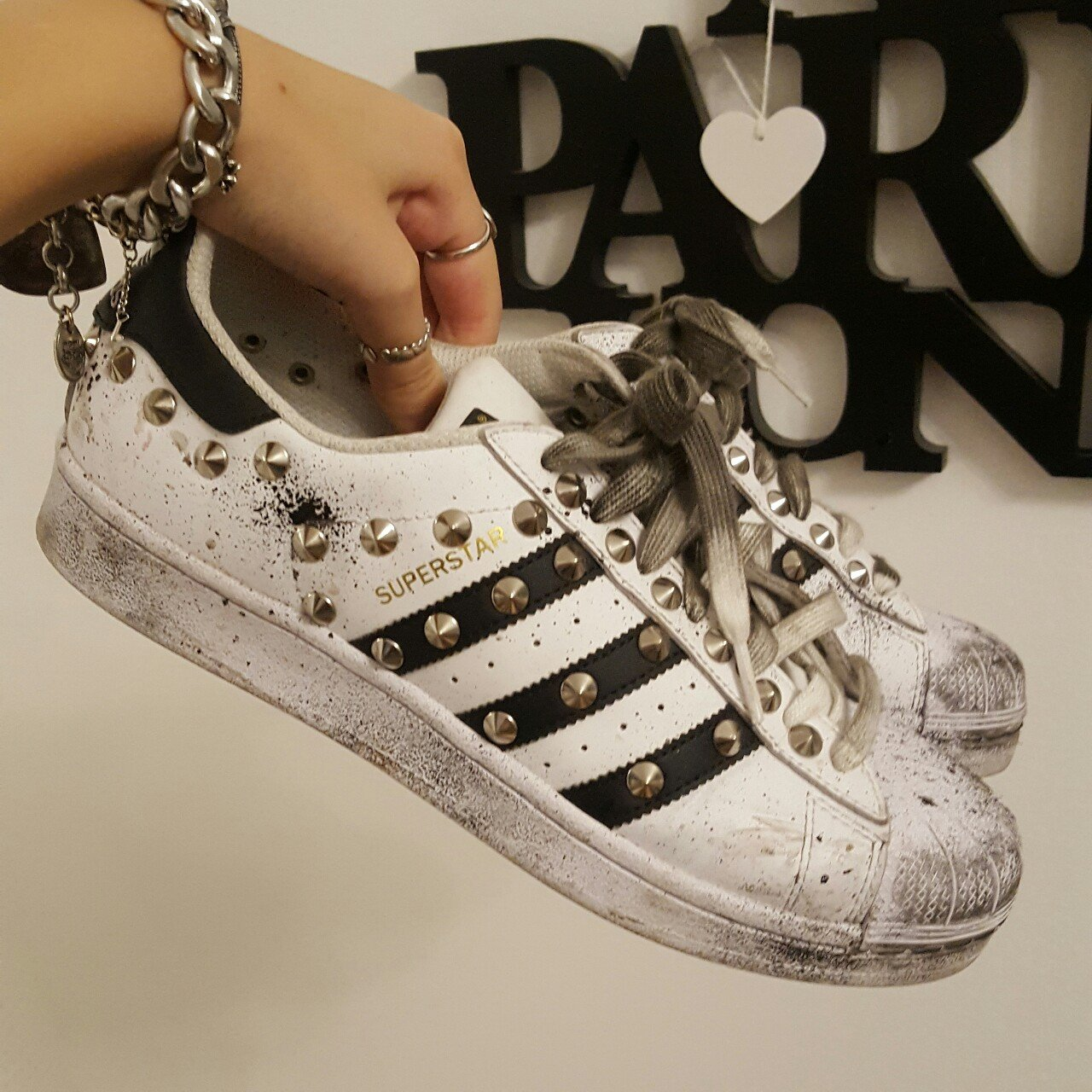 purchase cheap 92091 326bd Adidas Superstar con borchie e macchie di colore  adidas - Depop