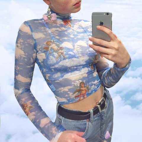 4204a60672869 ✨🌸🌈 Y2K Angel Heaven mesh top Very breathable