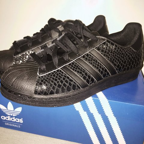 timeless design d6bf9 8f9db  megansecooper. 3 years ago. Scunthorpe, UK. Genuine Adidas Superstar  Womens Size 5.5 black snake ...