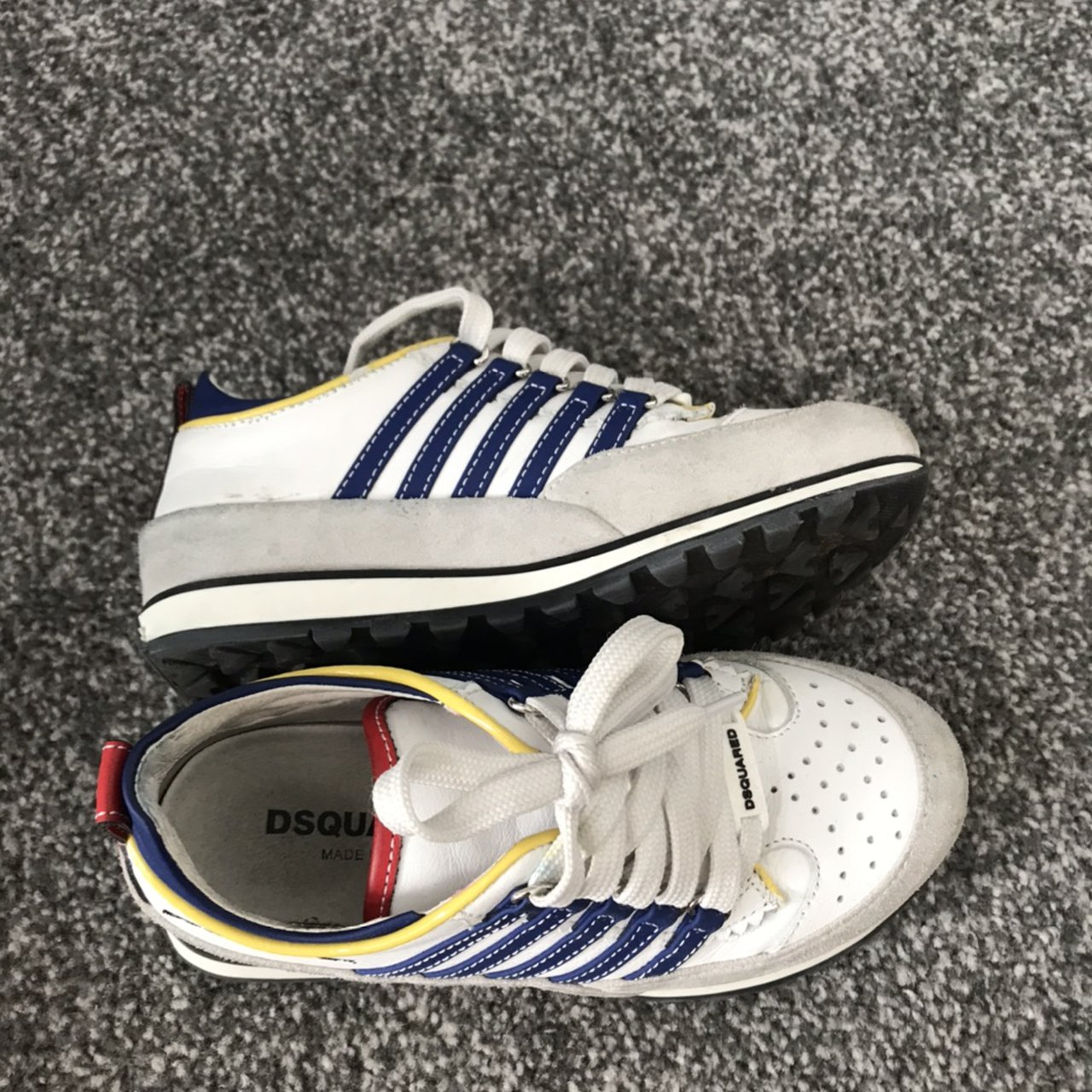 Boys Dsquared trainers size 30