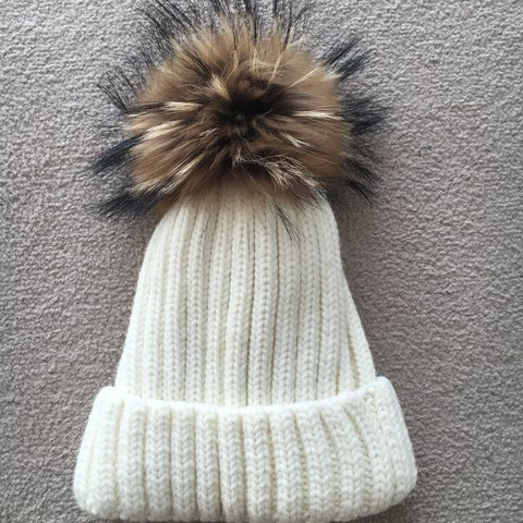 6ba608913ea Stunning white cream fur bobble hat   Pom Pom hat. Real fur! - Depop