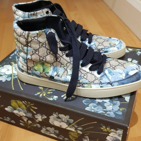 7e774559a26 Gucci floral high tops- mens size 10- worne once - Depop