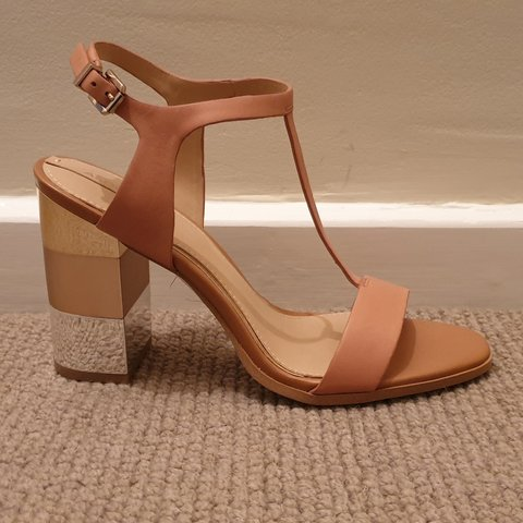 182c0fbfdccc NEVER WORN!! Aldo. Size 5. Real leather. Light tan sandal. 4 - Depop