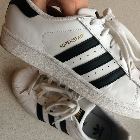 adidas superstar righe nere