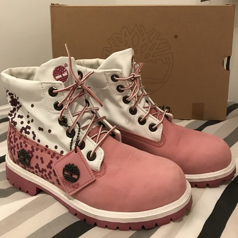 f460bdbb669db  samhaynes15. 8 months ago. United Kingdom. High low top women s Timberland  Boots ...