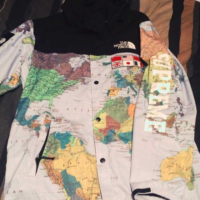 Supreme northface world map jacket sz l worn twice very rare depop jimmy1arda followingfollow supreme northface world map jacket gumiabroncs Choice Image