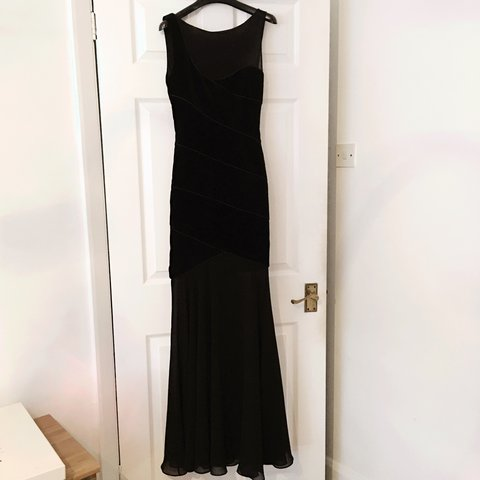 8d80a6e242 REISS black gown size 4. Worn once and slightly tailored for - Depop