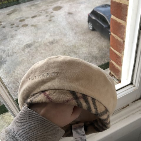0bfd2942222c2 Rare and no longer sold BURBERRY beret hat