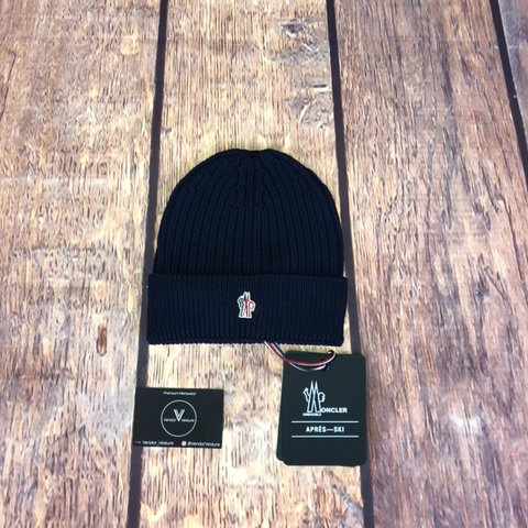 2adda33fb61 MONCLER GRENOBLE Logo embroidered ribbed beanie hat in navy - Depop