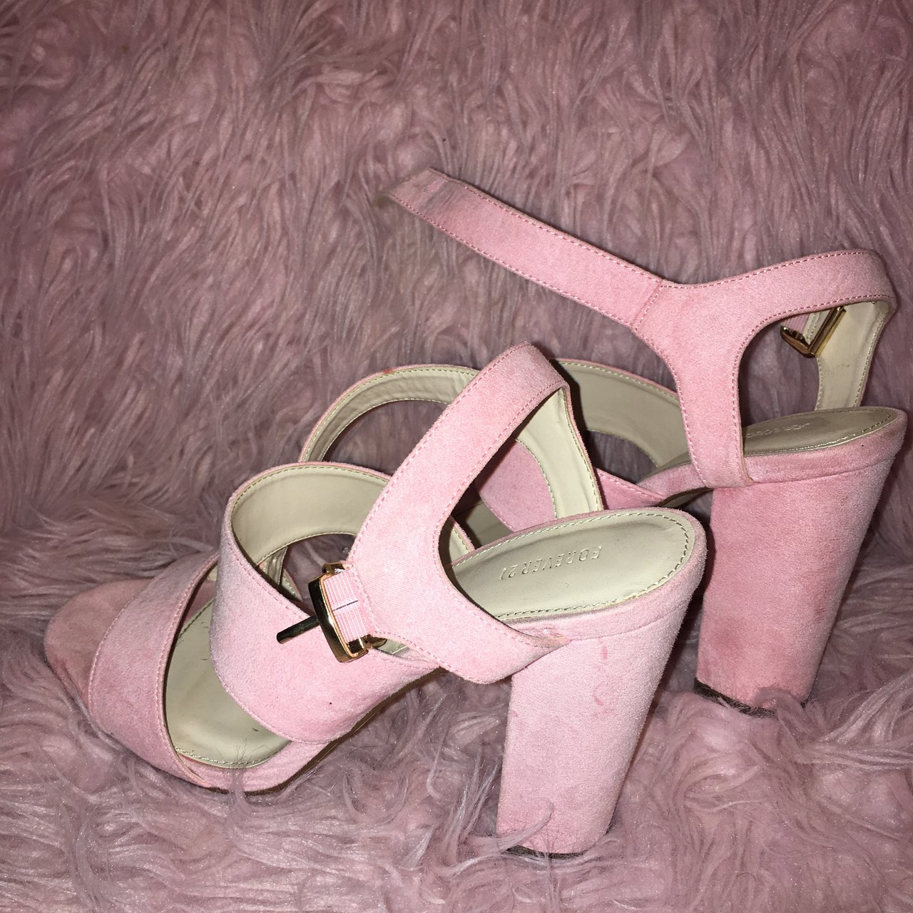 b469f562201c Cute forever 21 pink heels! I love these heeled sandals but - Depop
