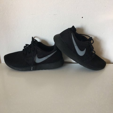 77dec62c3b21 All black Nike Roche size 5 good condition  nike  roche - Depop