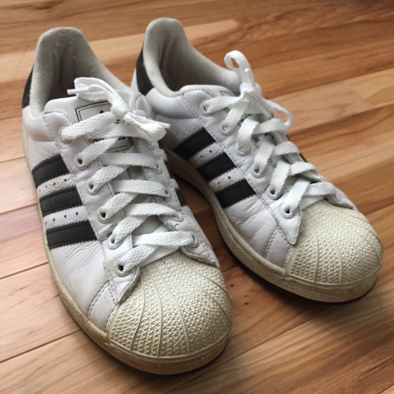 le dernier 9ceca 3fd80 Old Adidas Shoes with ridged stripes you can see in... - Depop