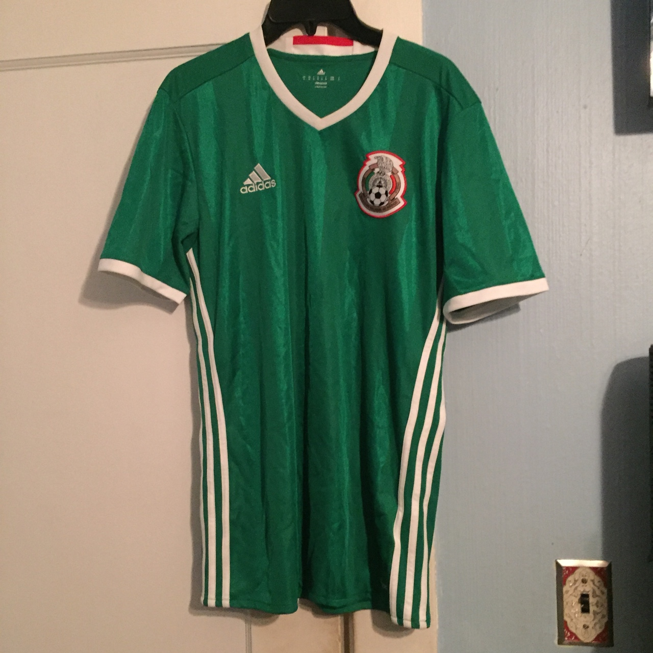 buy popular db8fb f8eaf Adidas Mexico jersey 2016 authentic, bought at... - Depop