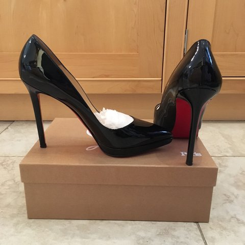 33221cb2f62 Genuine CHRISTIAN LOUBOUTIN designer heels with all the and - Depop